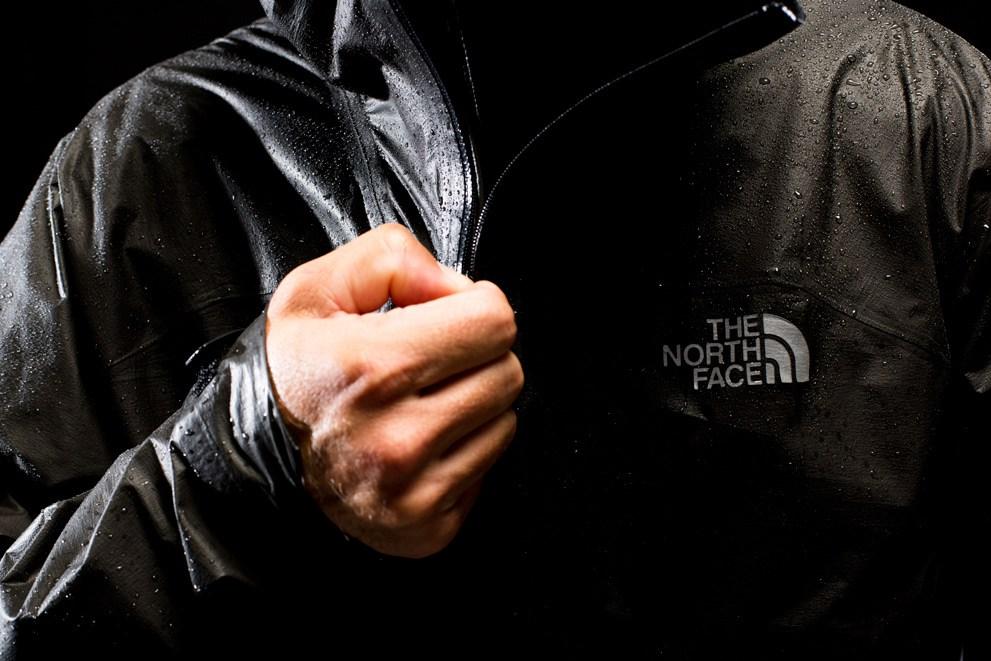 детали куртки HyperAir GTX от North Face
