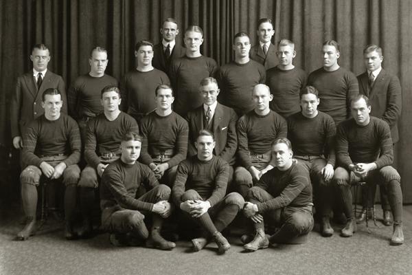 1920s_football-sweatshirt